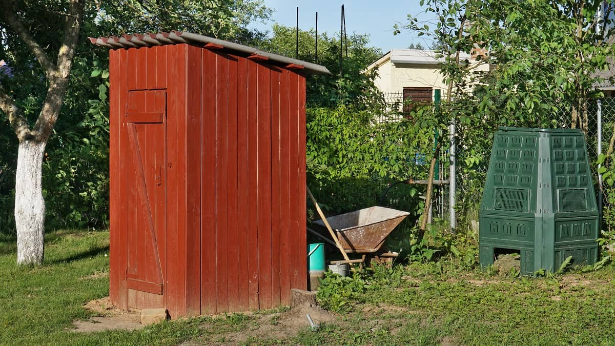 Composting Toilets 101: Do They Smell?